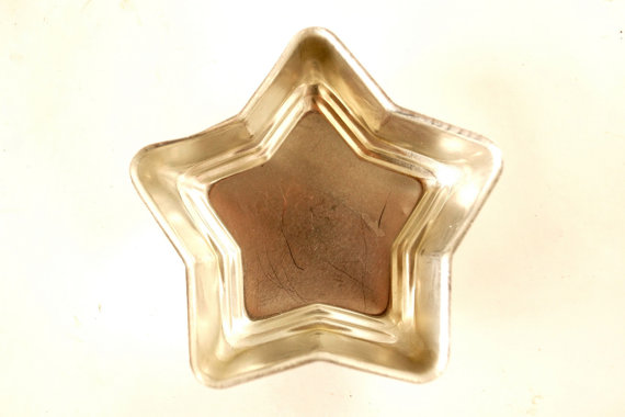 Star Shaped Tins can be used to hold small snacks, candies, or candles - ThirdShiftVintage