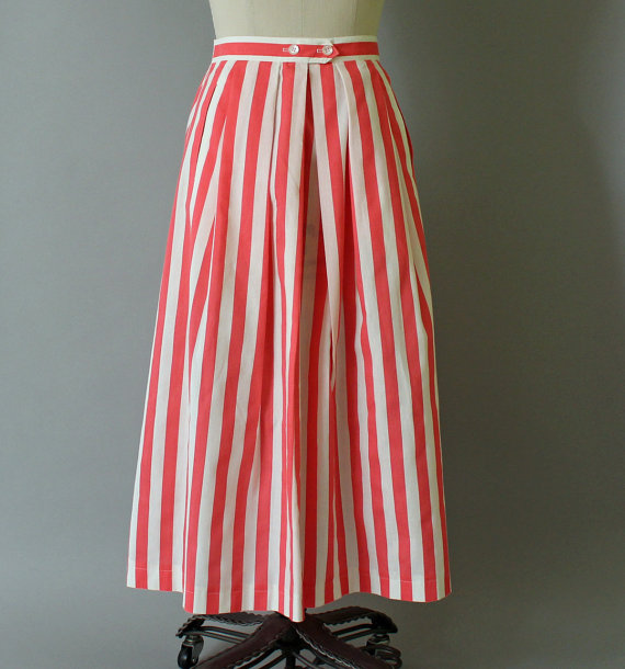Red and white striped skirt for a fun summer party - RecentHistory