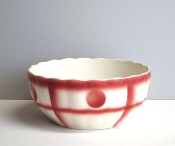 Red and White bowl for holding chips, bread, or party snacks - RecentHistory