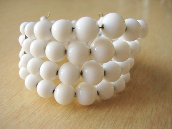 Of course you could wear this milk glass bracelet, but it would also look great wrapped around a vase or pitcher for a 4th of July party - VintageRenude