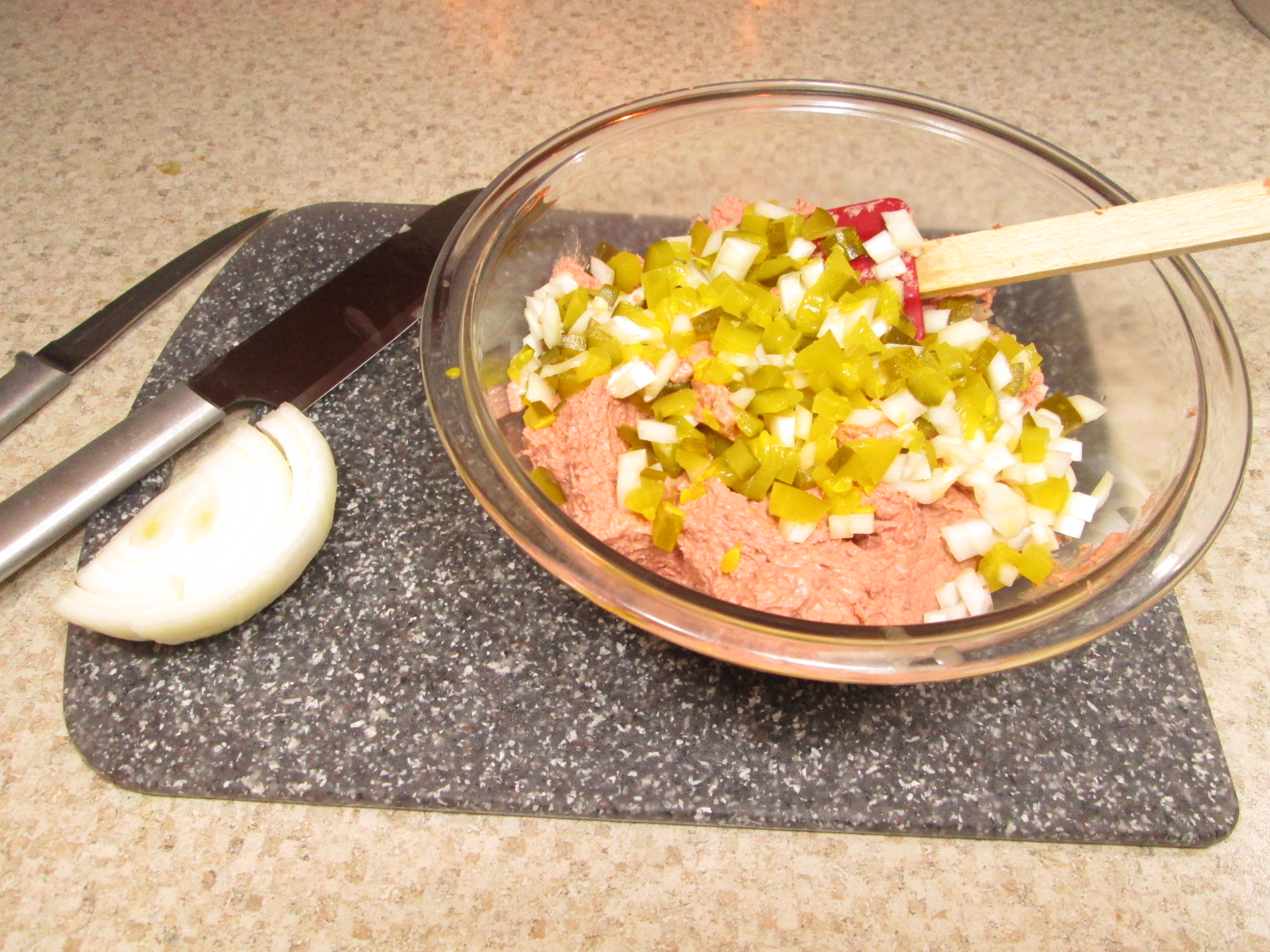 making liverwurst pate
