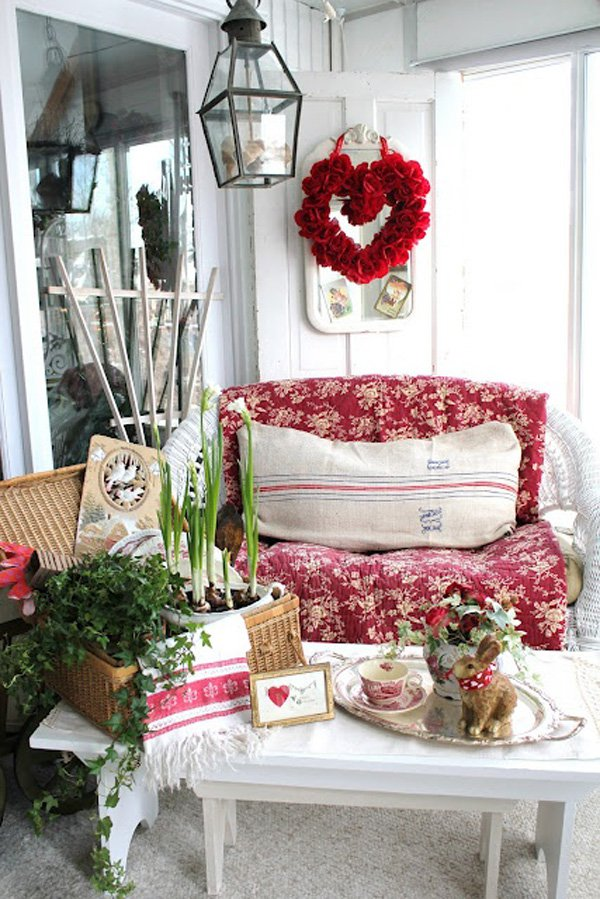 A Round Up Of Vintage Porch Decor For Valentine S Day